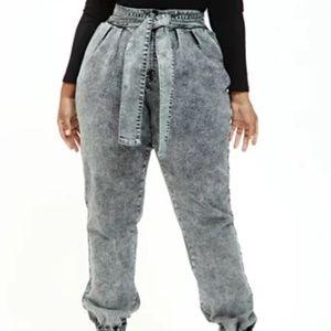 Fashion to Figure Tie Waist Denim Jogger Size 24